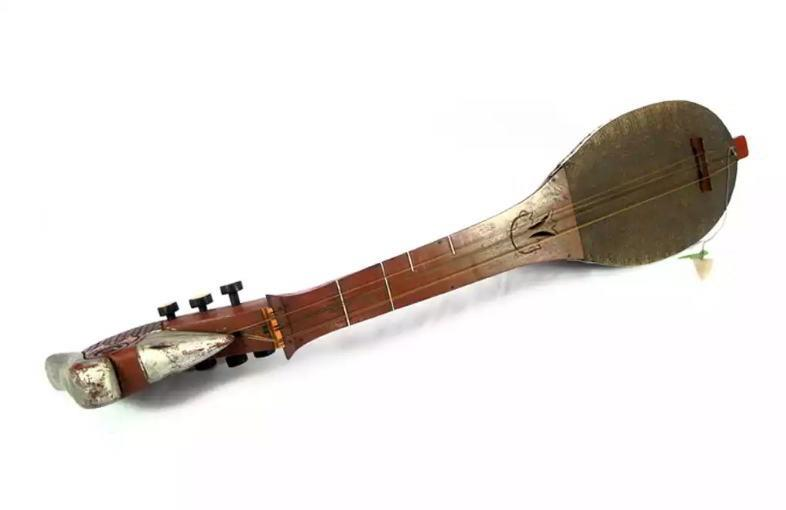 Alat Musik Tradisional yang Dipetik Panting