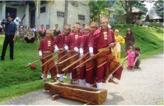 Alat Musik Tradisional Banten Bendrong Lesung