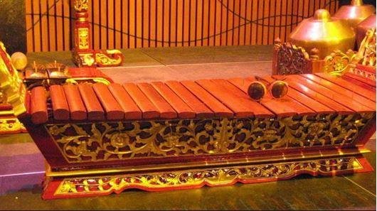 Alat Musik Tradisional Betawi Gambang Kromong