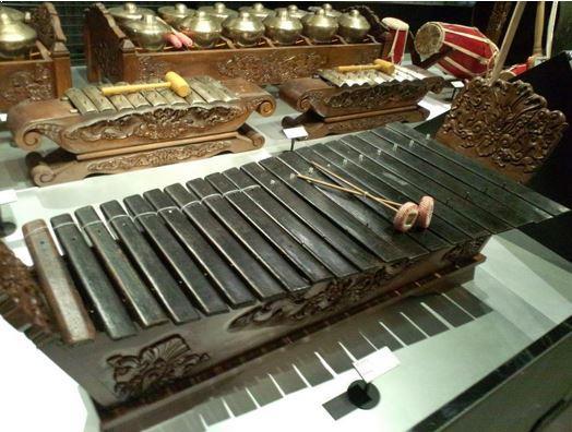 Alat Musik Tradisional Jawa Tengah Gambang