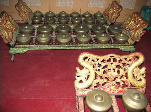 Alat Musik Tradisional Jawa Timur Bonang
