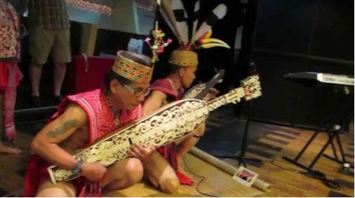 Alat Musik Tradisional Kalimantan Barat Sapek