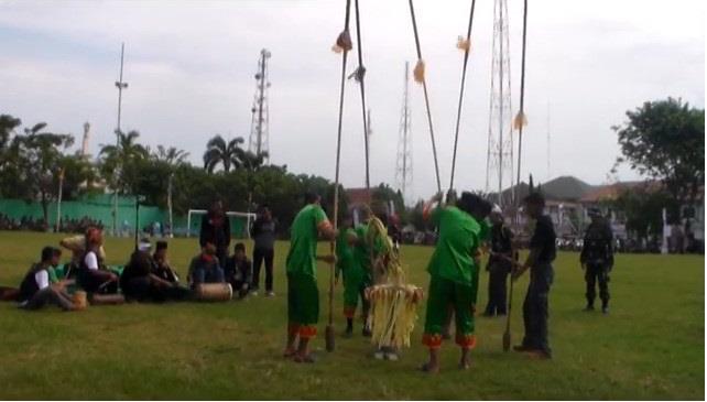 Alat Musik Tradisional Kalimantan Selatan Kurung-Kurung