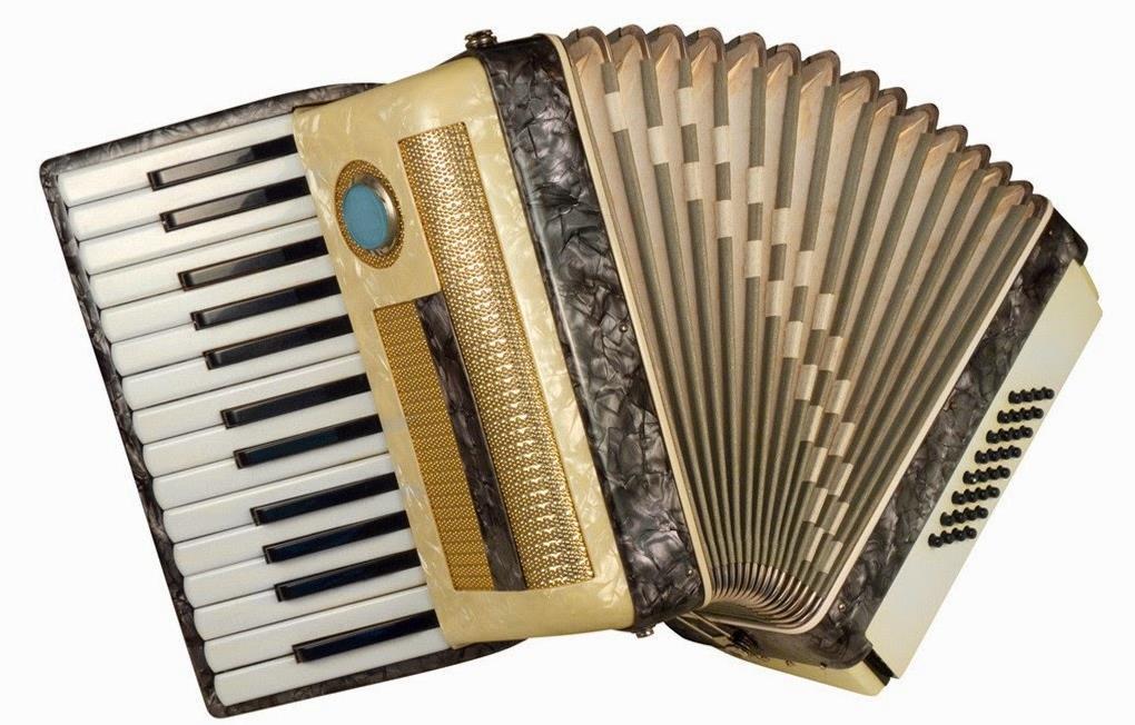 Alat Musik Tradisional Kepulauan Riau Akordeon