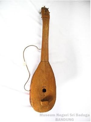 Alat Musik Tradisional Maluku Utara Leko Beko