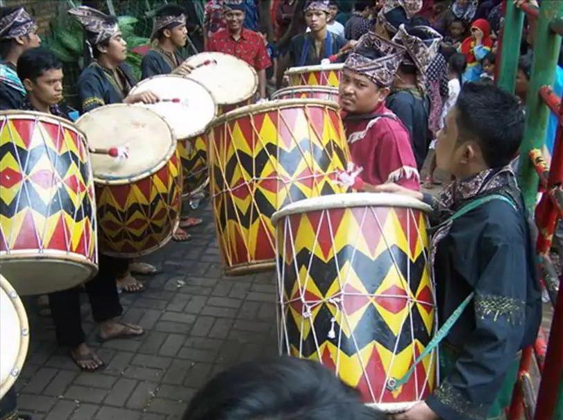 Alat Musik Tradisional Minang Gandang