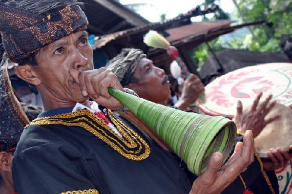 Alat Musik Tradisional Minang Pupuik Batang Padi