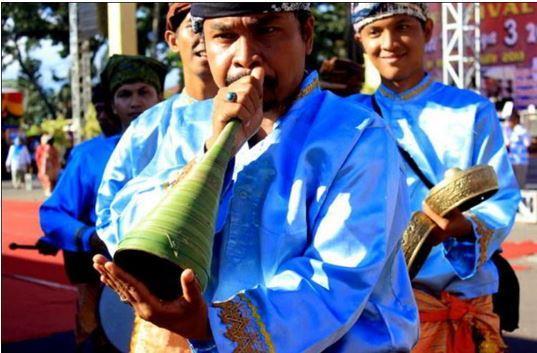 Alat Musik Tradisional Minangkabau Pupuik Batang Padi