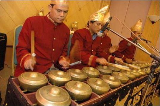 Alat Musik Tradisional Minangkabau Talempong