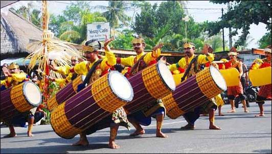 Alat Musik Tradisional NTB Gendang Beleq