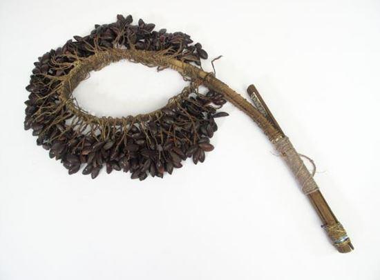 Alat Musik Tradisional Papua Butshake