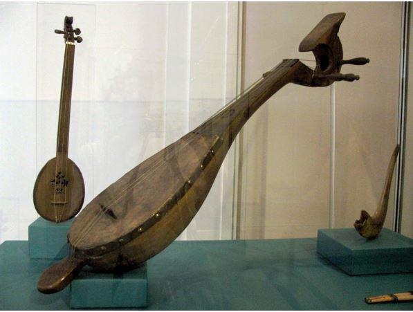 Alat Musik Tradisional Riau Gambus