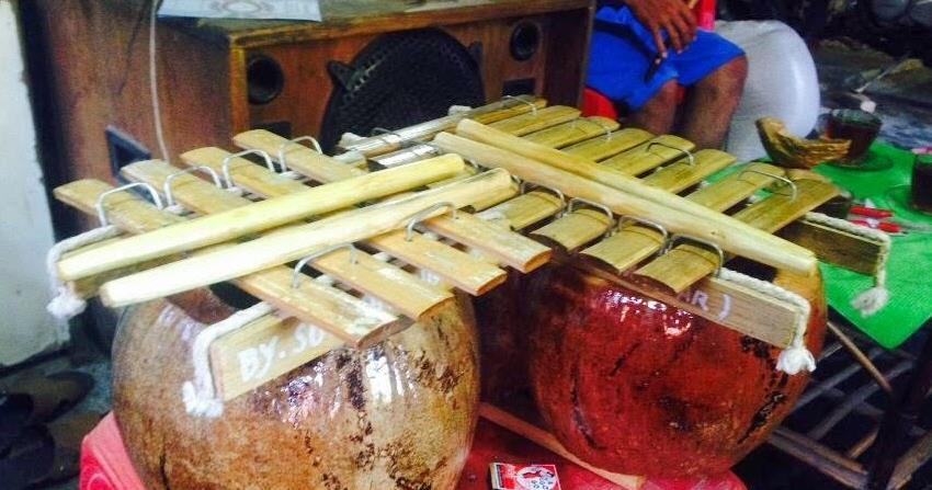 Alat Musik Tradisional Sulawesi Barat Calong