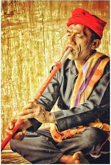 Alat Musik Tradisional Sulawesi Tengah Lalove