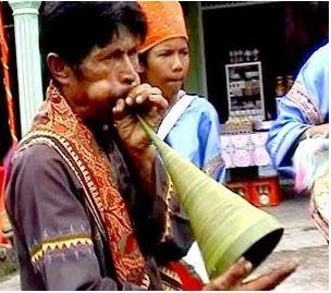 Alat Musik Tradisional Sumatera Barat Pupuik Batang Padi