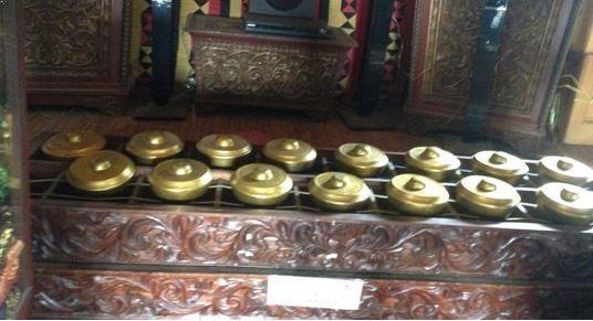 Alat Musik Tradisional Sumatera Barat Talempong