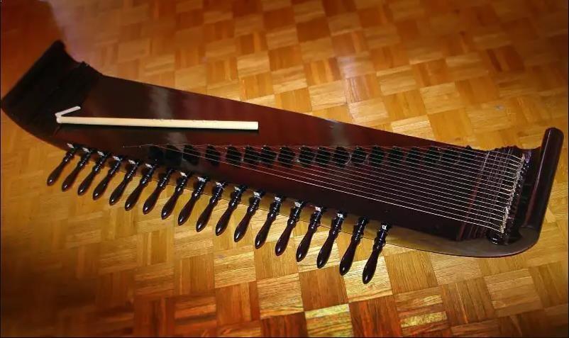 Alat Musik Tradisional Sunda Kacapi Suling