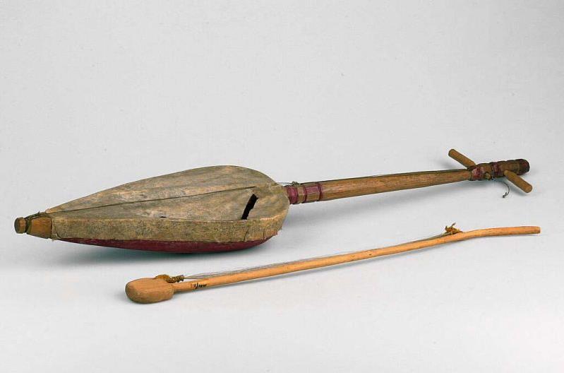 Alat Musik Tradisional yang Digesek Keso Keso