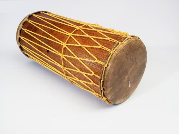 Alat Musik Tradisional yang Dipukul Gendang Panjang