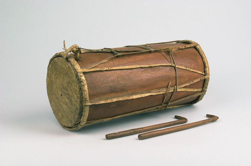 Alat Musik Tradisional yang Dipukul Geundrang