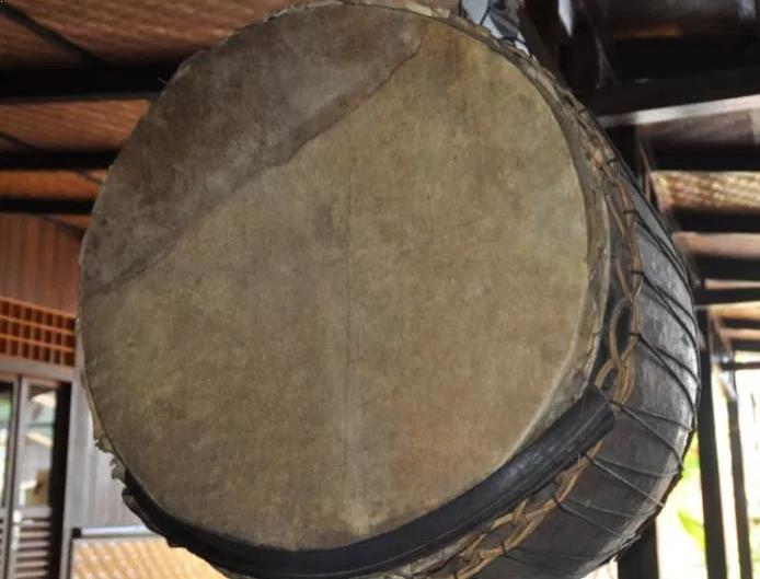 Alat Musik Tradisional yang Dipukul Gondra