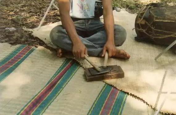 Alat Musik Tradisional yang Dipukul Kecrek