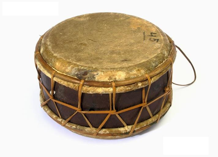 Alat Musik Tradisional yang Dipukul Ketipung