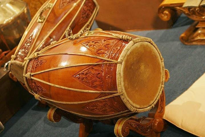 Alat Musik Tradisional yang Dipukul Khendang atau Kendang