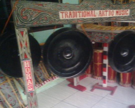 Alat Musik Tradisional yang Dipukul Ogung Doal