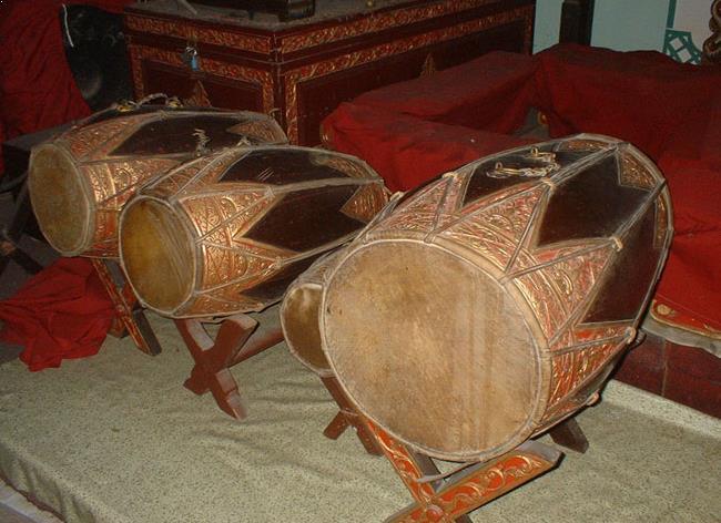 Alat Musik Tradisional yang Dipukul Tambo
