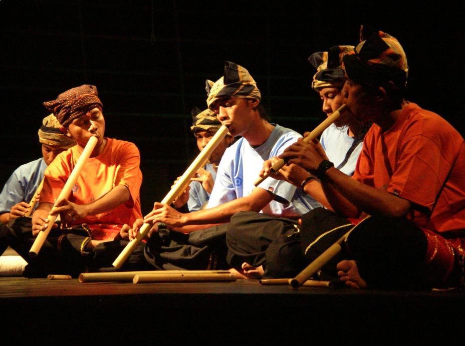 Alat Musik Tradisional yang ditiup Saluang Minang
